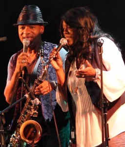 2009 – Sharing the stage with Soul Legends